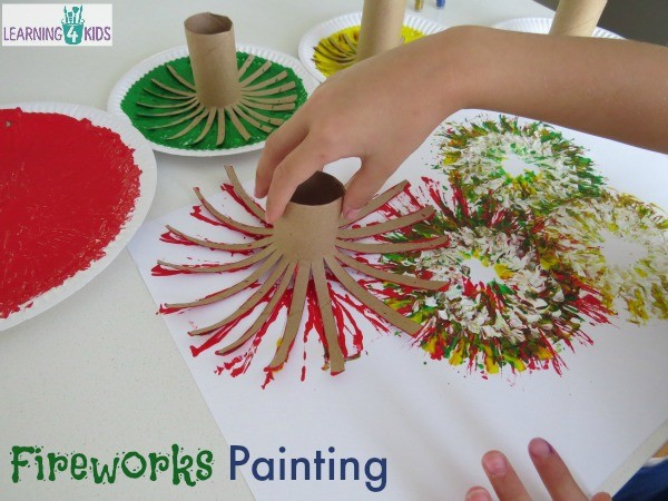 Making-fireworks-with-paint-and-cardboard-rolls.-Great-new-years-celebration-activity
