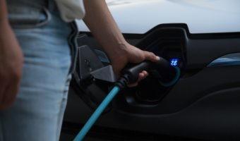 Hacia la recarga inteligente: cómo será el impacto del vehículo eléctrico en la red eléctrica