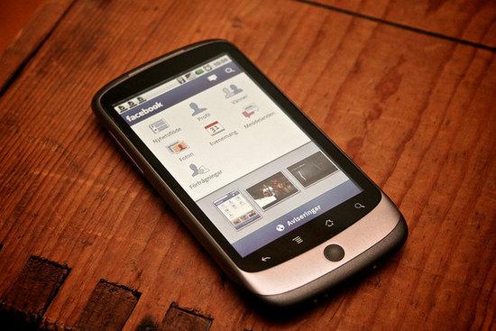 Smarphone con Facebook app