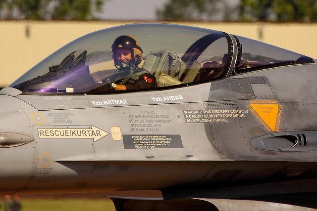 piloto caza