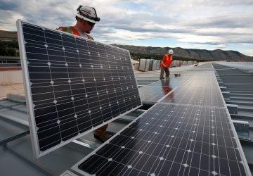 Si tan barata es la energía solar, ¿por qué no estamos usándola a todas horas?