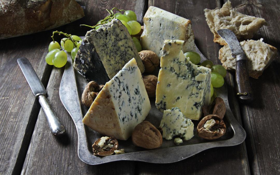 Desde Asturias hasta la Sierra de Cádiz: el mapa de los quesos azules de España