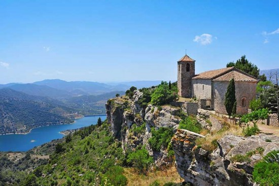 siurana_santa_maria_de_siurana_church_priorat_catalonia_spain_680