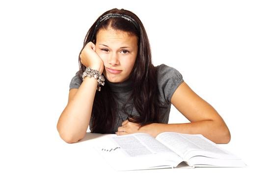 estudiar-aburrida
