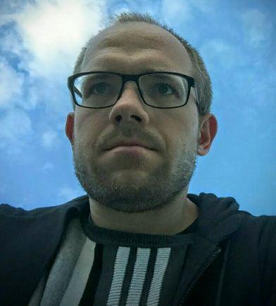 Foto de perfil en Twitter de @evgenymorozov
