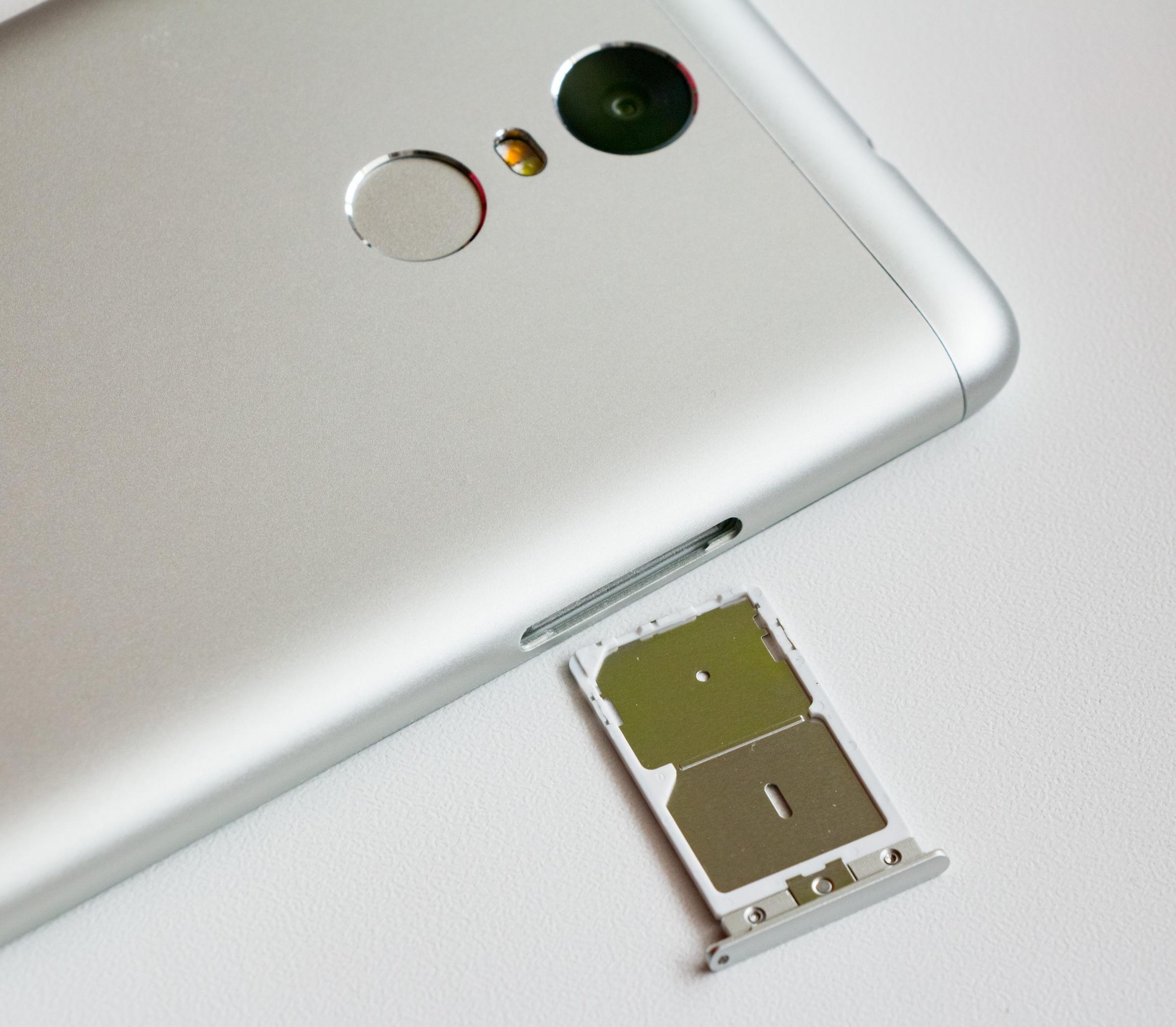Xiaomi_Redmi_Note_3_dual_SIM_card_tray (1)