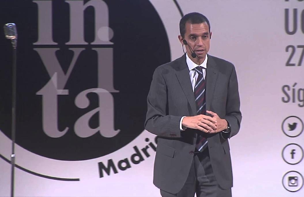José María Palomares hablando