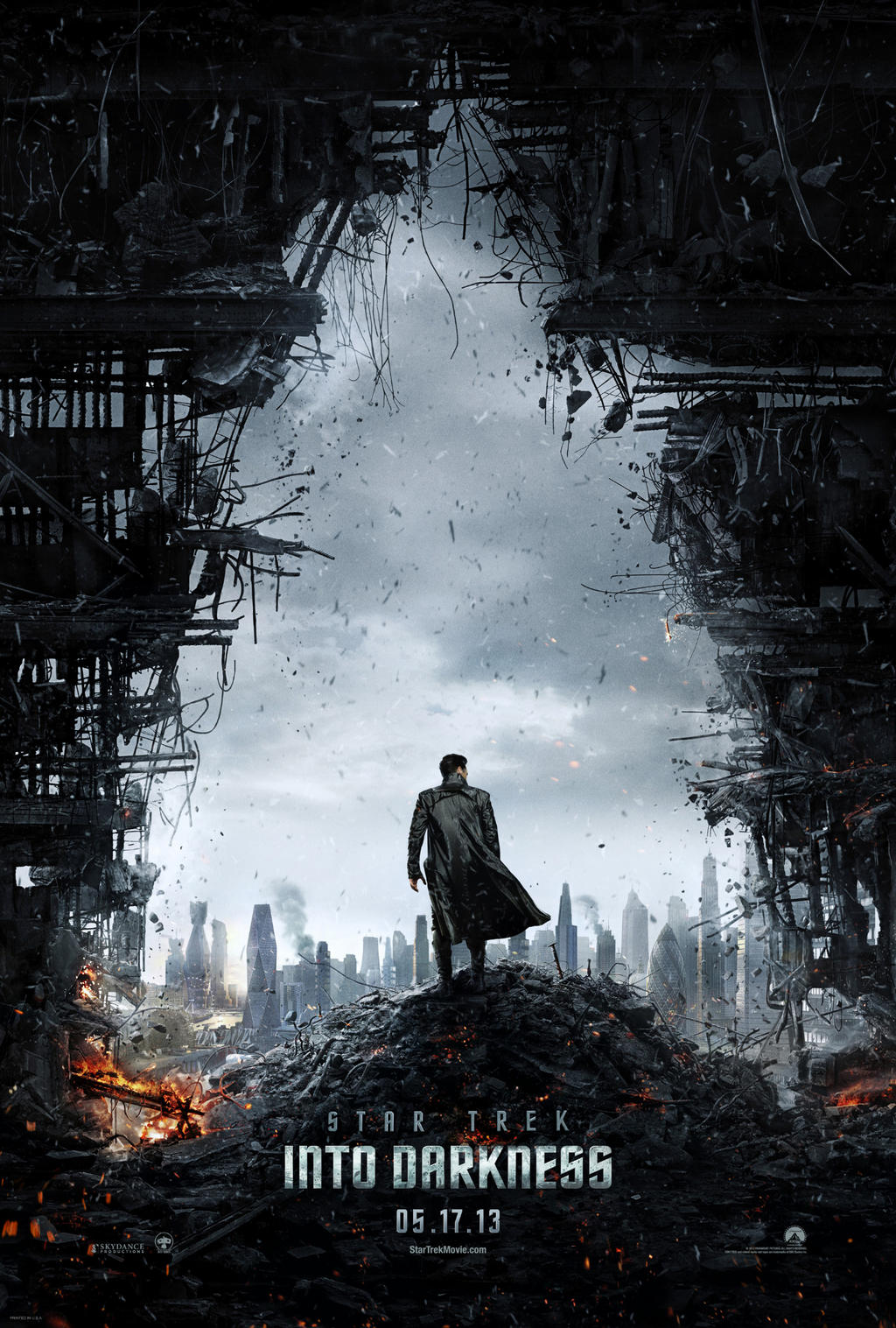 star-trek-into-darkness-poster1