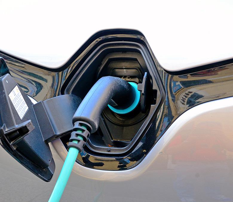 Toma de luz del Renault ZOE, vehículo eléctrico