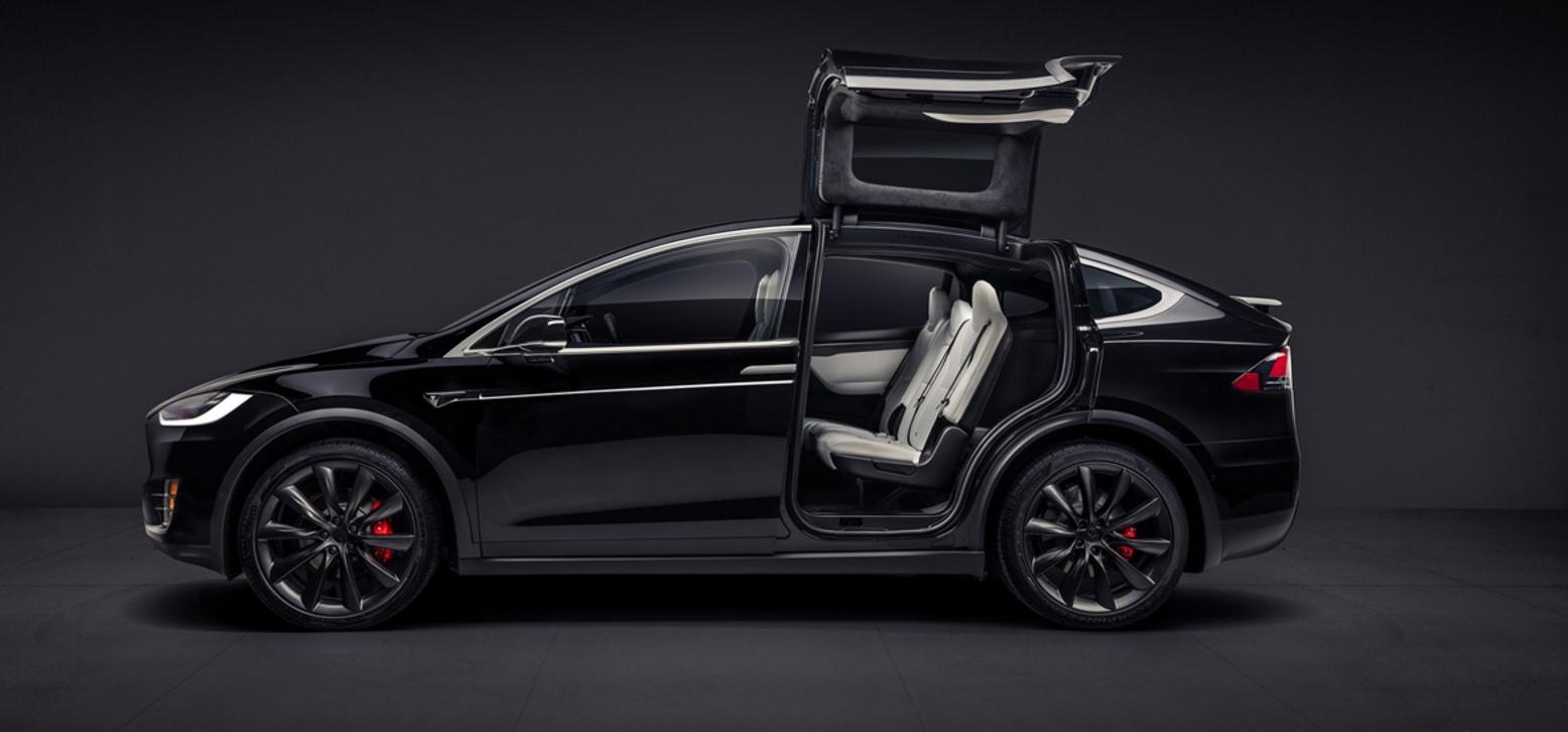 Tesla model X abierto