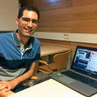 algoritmo. El investigador de la URV, Javier Parra-Arnau, muestra la extensión MyAdChoices que ha desarrollado para Chrome. / URV