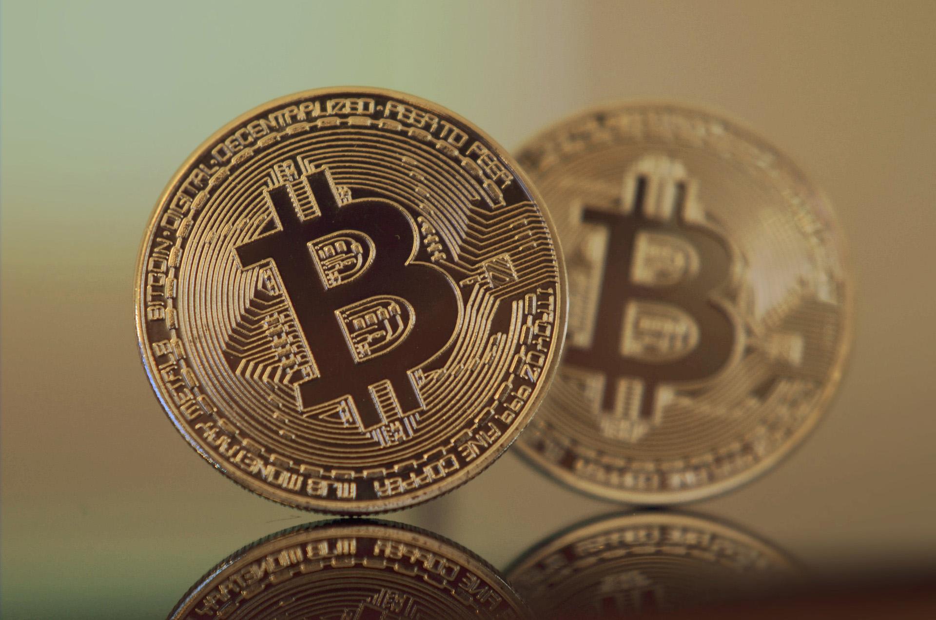 Blockchain. Bitcoin.
