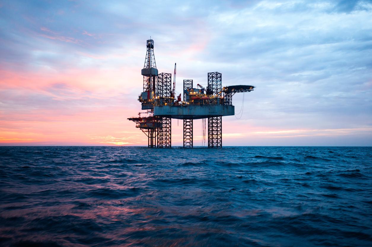 El petróleo entrega potencia y alta densidad energética, al coste de los gases de efecto invernadero