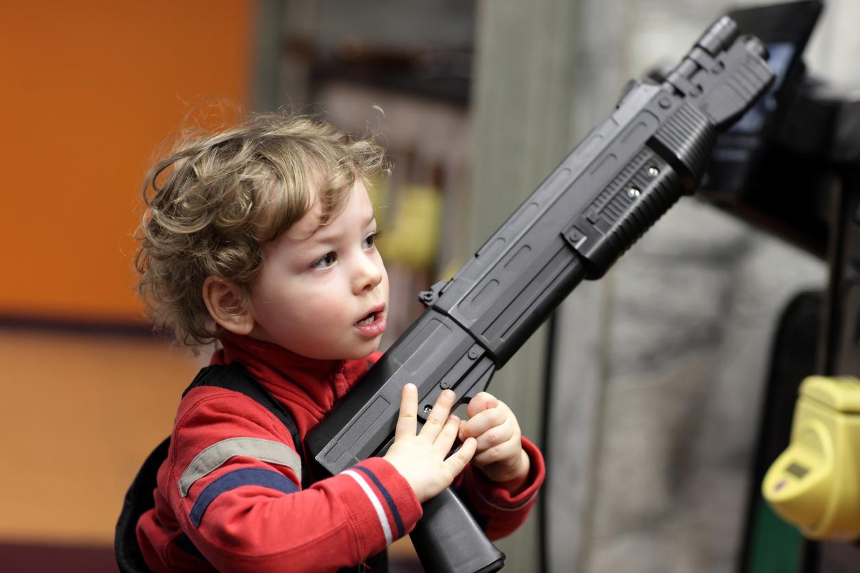 juguetes violentos peligrosos
