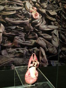 Zapato mujer Auschwitz