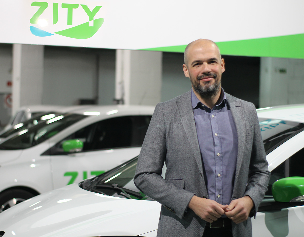 javier-mateos-Zity-garaje-coche-electrico