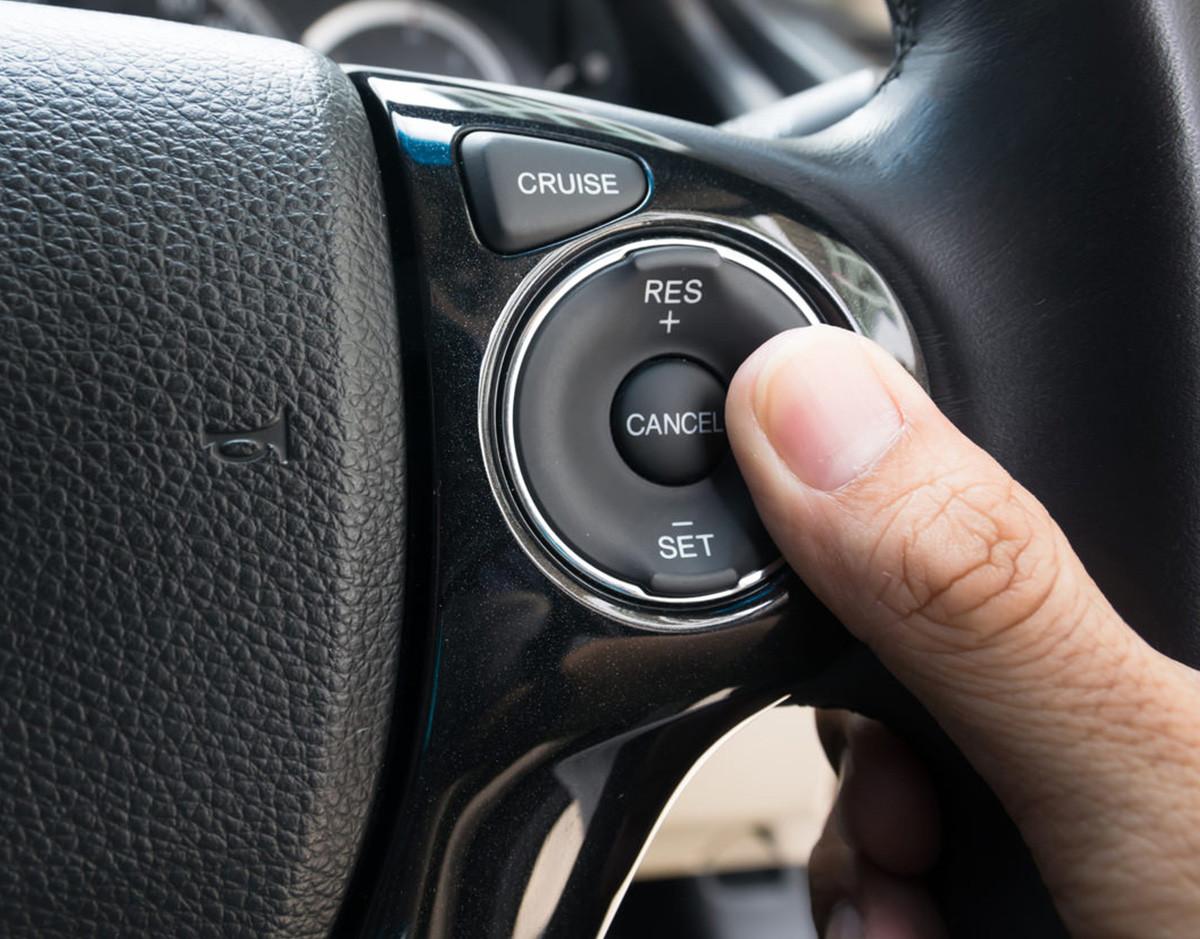 tecnologia-coche-seguridad-crucero-velocidad