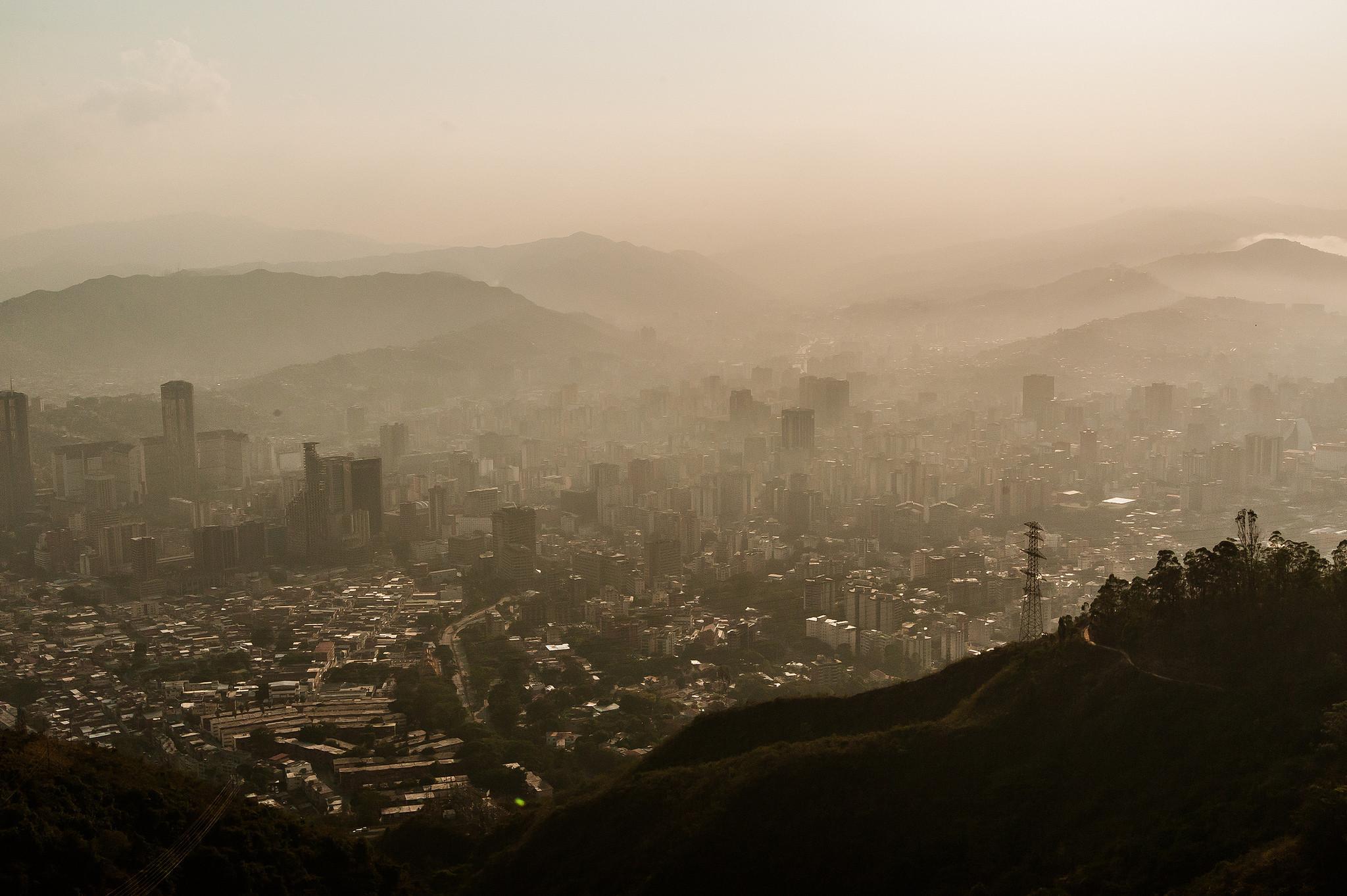 La contaminación hace crecer la temperatura de la Tierra