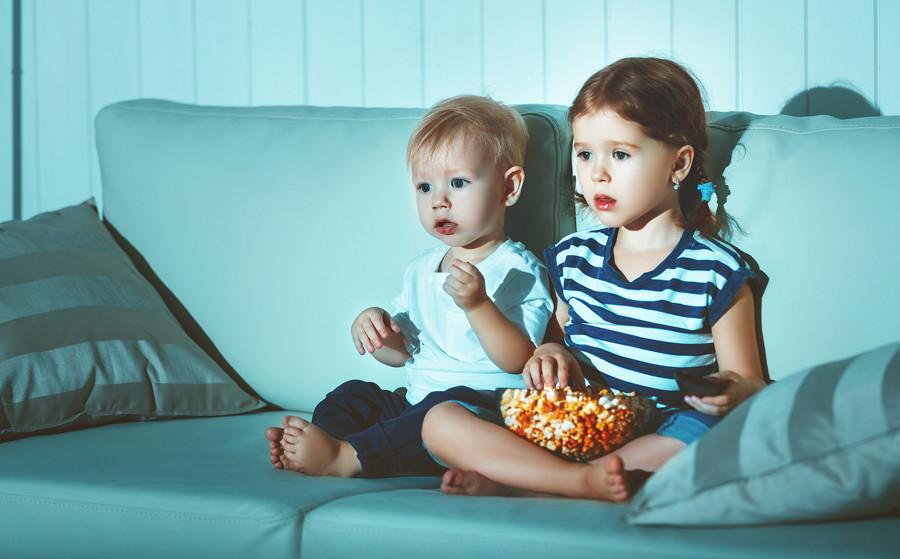 Este es el tiempo que pasan los niños con nuevas tecnologías