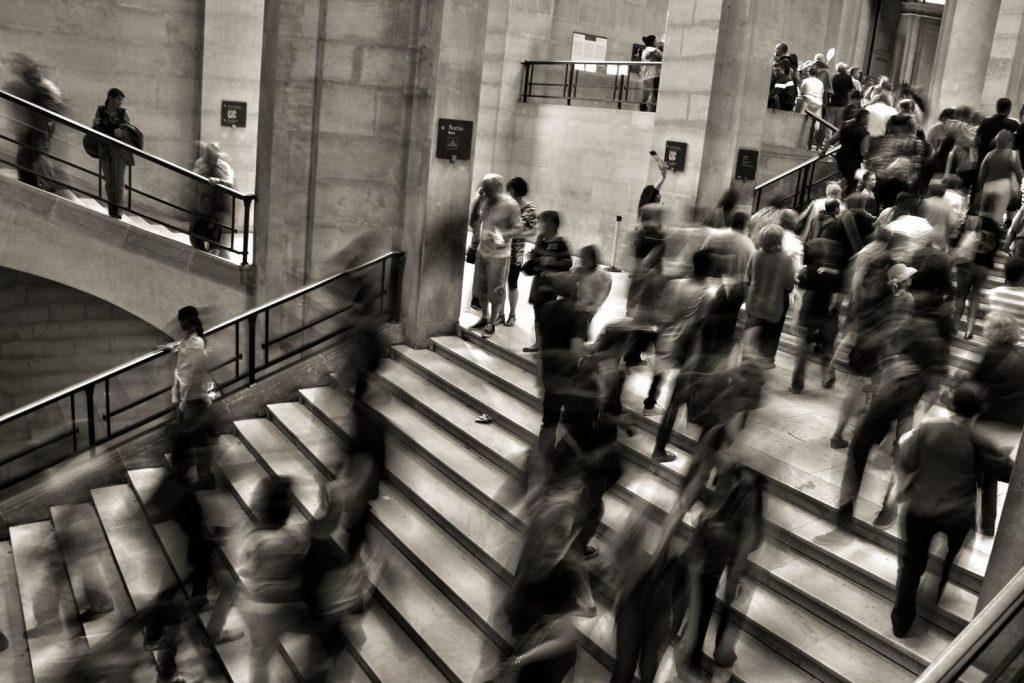 Gracias a la IA, las cámaras ligadas al Sistema de Créditos Sociales pueden reconocer a las personas por su forma de andar.