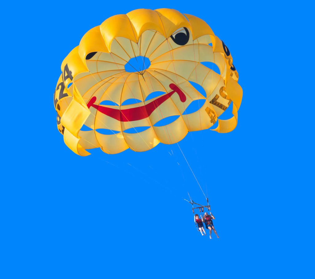 ¿Es verdad que el paracaídas no salva vidas?