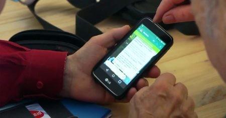 Mayores con móvil. Analfabetismo digital.