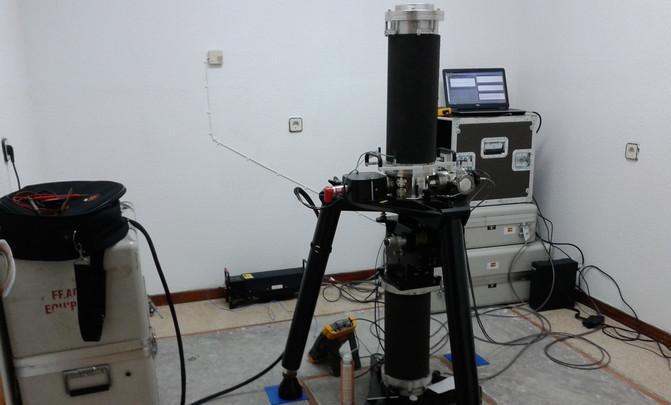 Gravímetro Absoluto FG-5 del IGN midiendo en la estación absoluta de la gravedad. / IGEO