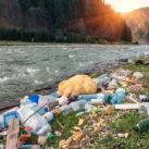 basura plástico río