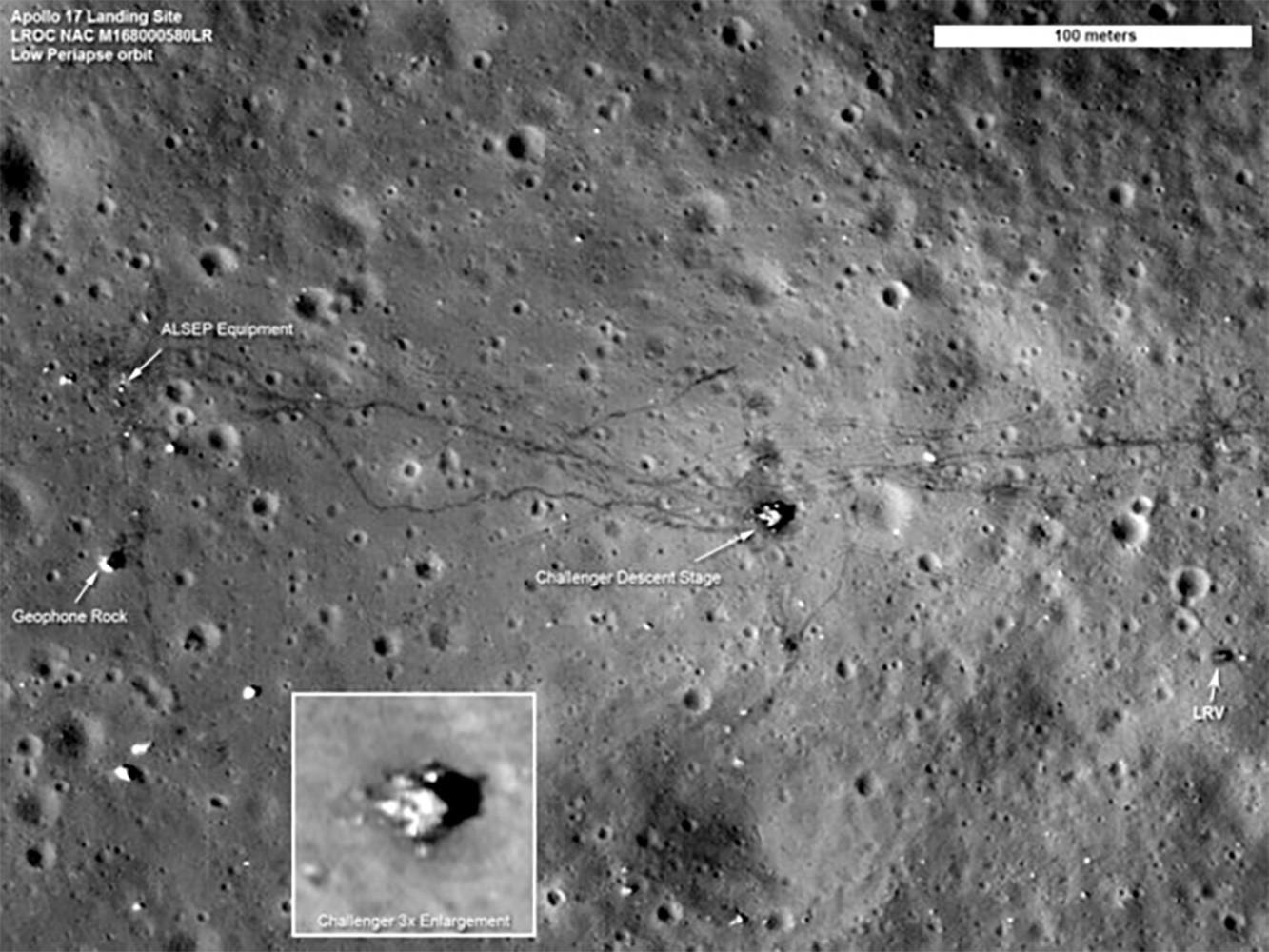 Foto de las huellas dejadas por los astronautas y el todoterreno del Apolo XVII, tomadas por la Lunar Reconnaissance Orbiter.