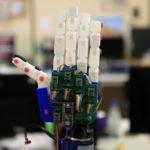 Robot para comunicarse con personas sordas