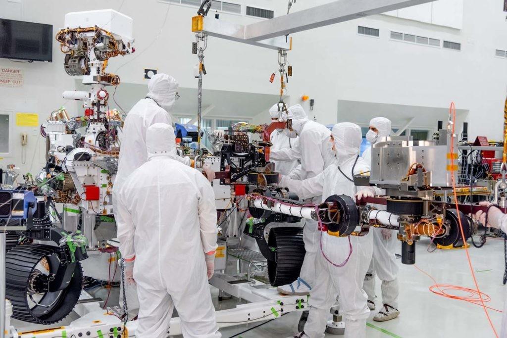montaje del rover Mars 2020