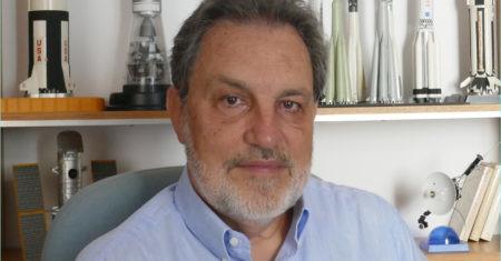 Rafael Clemente, divulgador científico sobre el viaje a la Luna