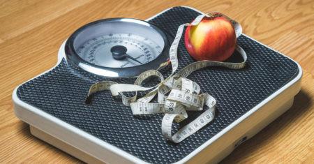 Báscula. Perder peso. Frío para adelgazar