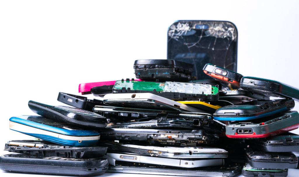 Cómo reciclar un móvil antiguo
