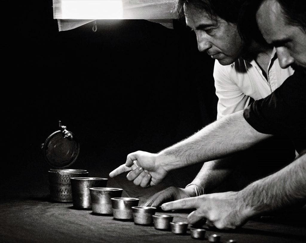 Carlos León Amores trabajando