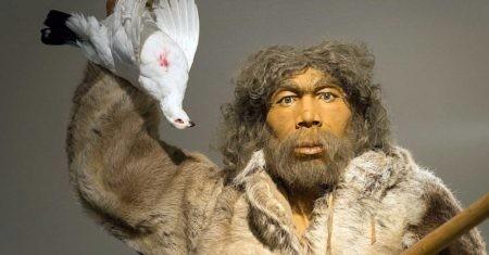 representación de un hombre de neandertal