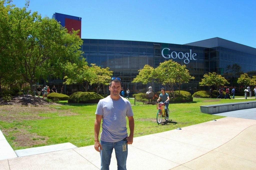 Bernardo Quintero en la sede de Google
