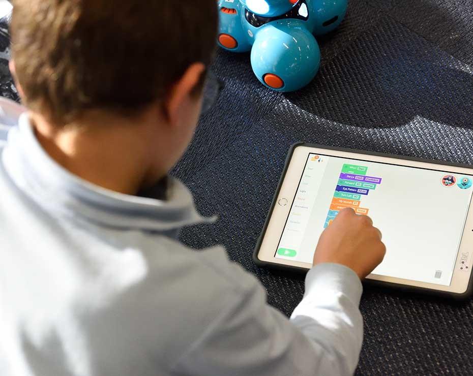 cómo estudian los niños desde casa