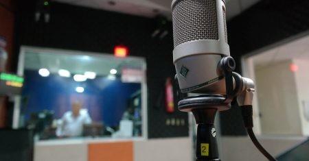 micrófono de radio