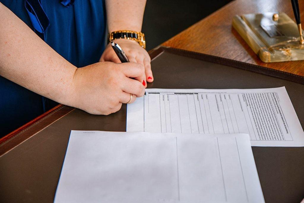 una firma manual de un formulario