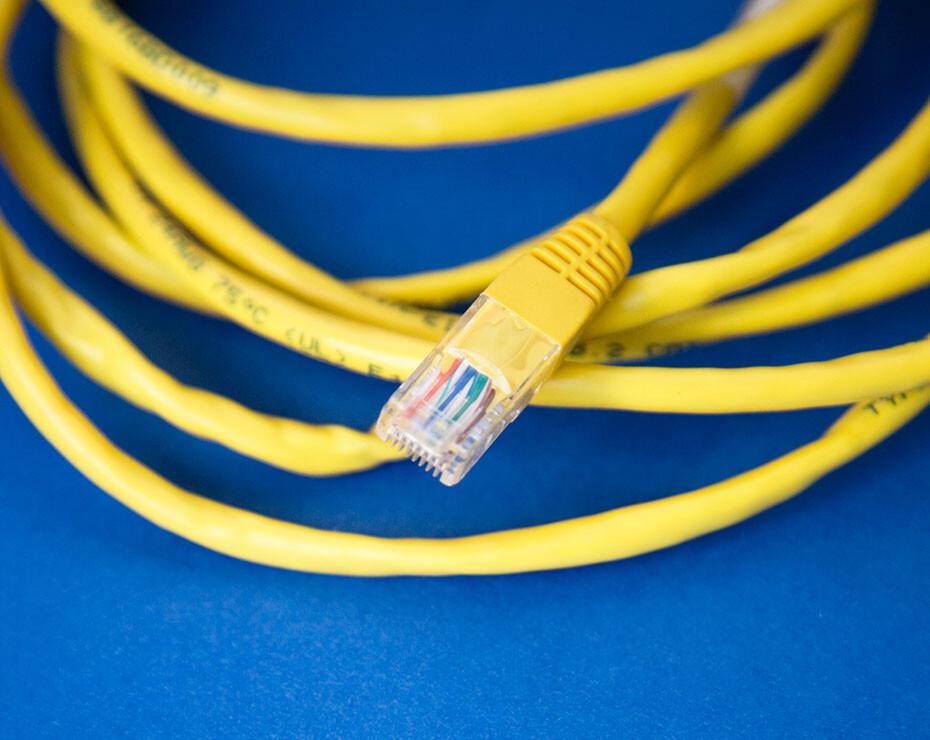 Estos son los conectores que usamos para conectarnos a internet.