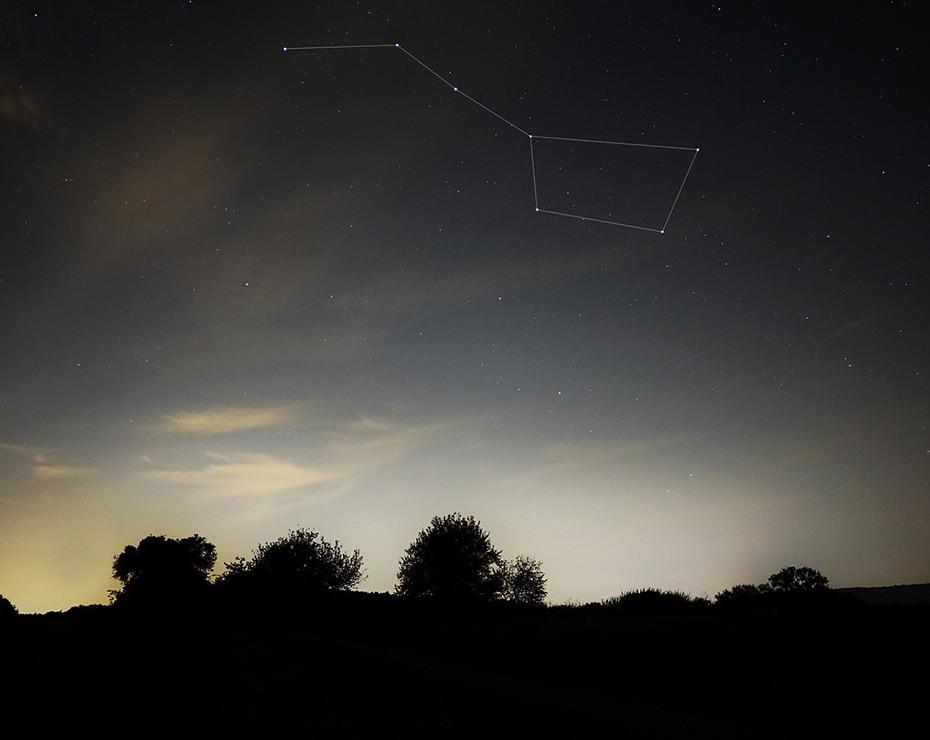 Una de las constelaciones más fáciles de reconocer es la Osa Mayor.