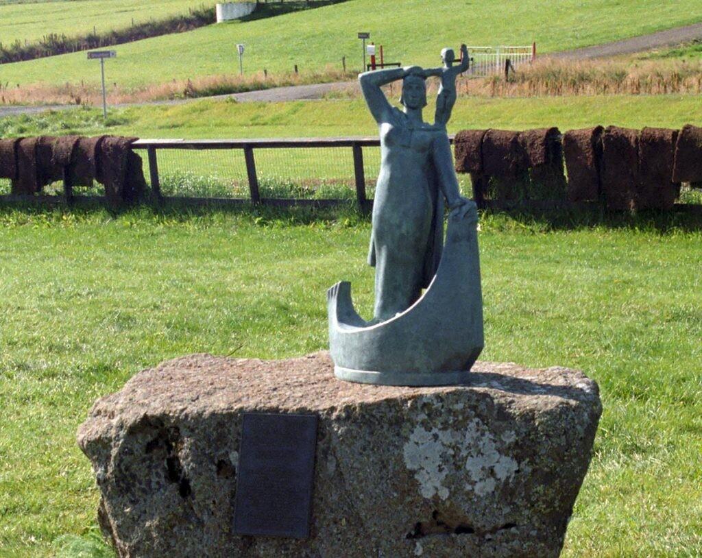 estatua de Gudrig en Islandia