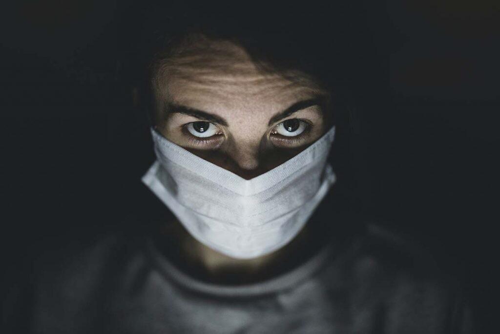 la OMS declara la pandemia