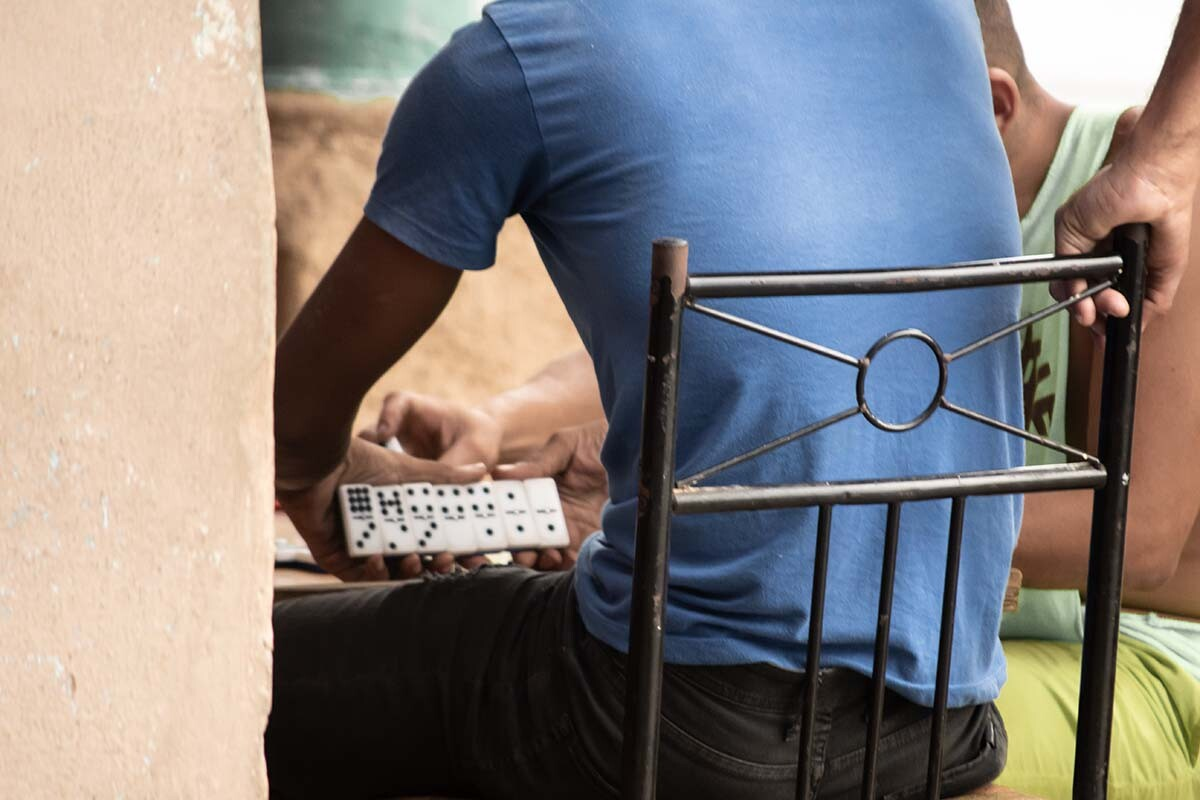 Te contamos cómo jugar al dominó online en sus diferentes versiones, como la cubana.