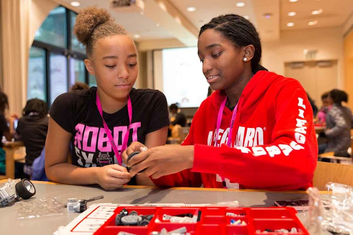 El objetivo de Black Girls CODE es llegar a formar a un millón de niñas antes de 2040.