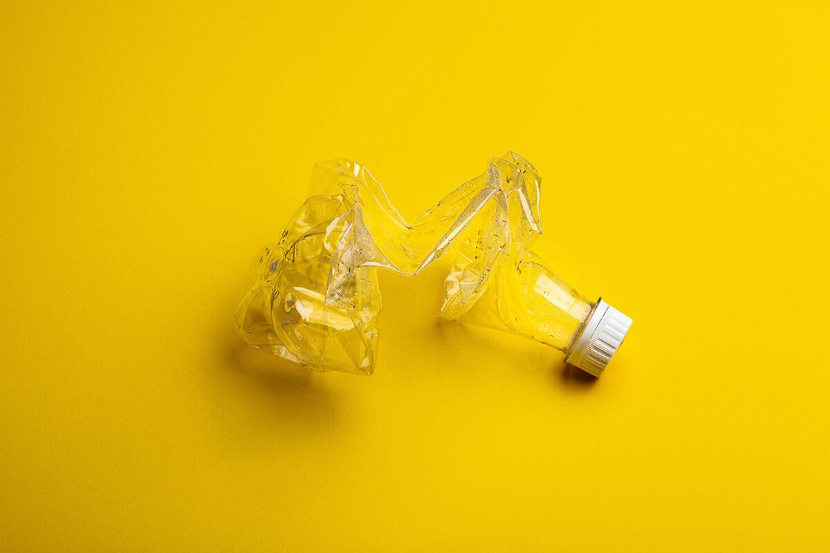 A la hora de reciclar plásticos, existen tres principales obstáculos: la combinación de materiales, su tamaño y su degradación.