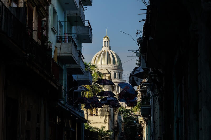 Szpieg głosowy atakuje Kubę