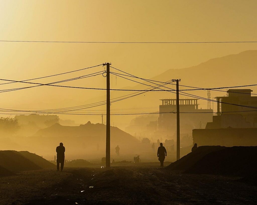 redes sociales en la huída de Afganistán