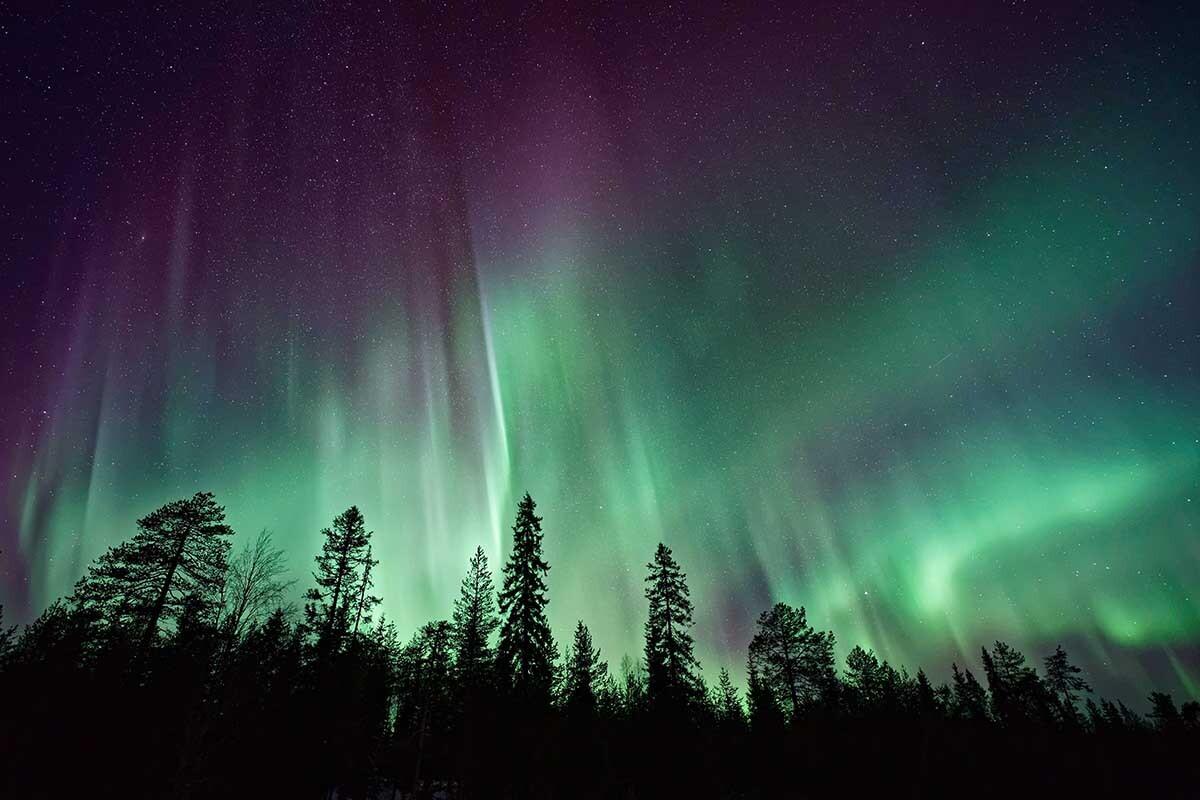 Te contamos qué es la aurora boreal y por qué se produce.